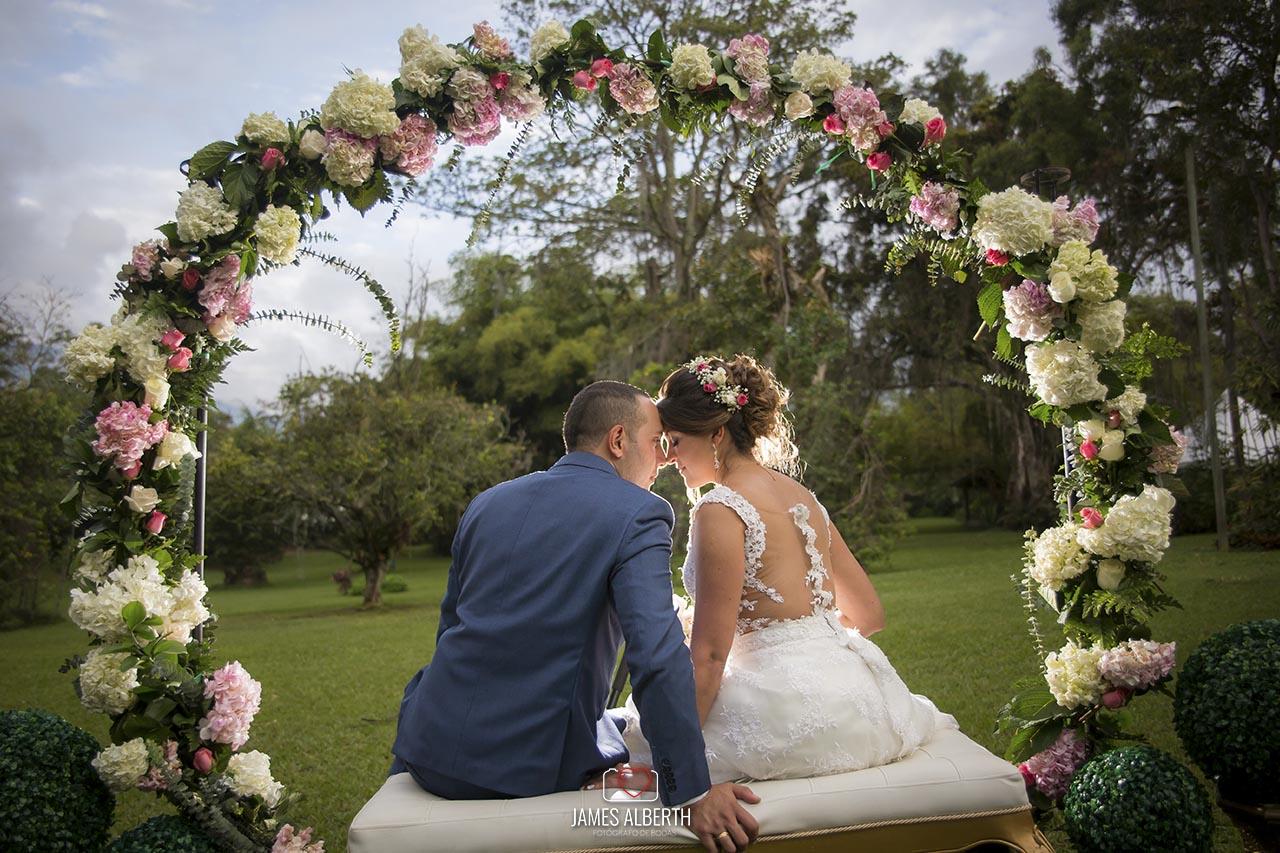 fotografo-de-bodas-james-alberth-fotografias-de-bodas-campestres-bodas-al-aire-libre-bodas-fusagasuga-bodas-kennedy-correa